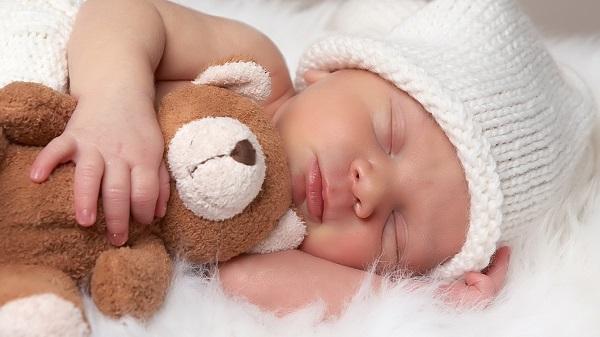 Как можно назвать мальчика рожденного в июле: имена по церковному календарю